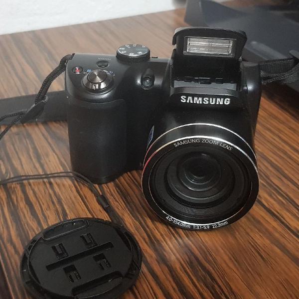 Câmera semi profissional em bom estado