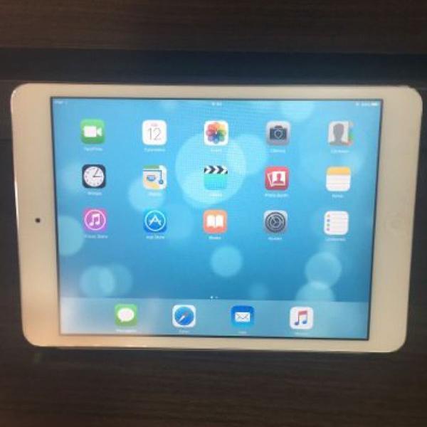 Ipad mini 16 gb com case magnética