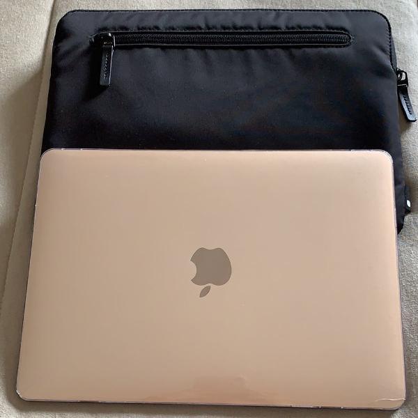 Macbook gold 12 inches 8gb 256