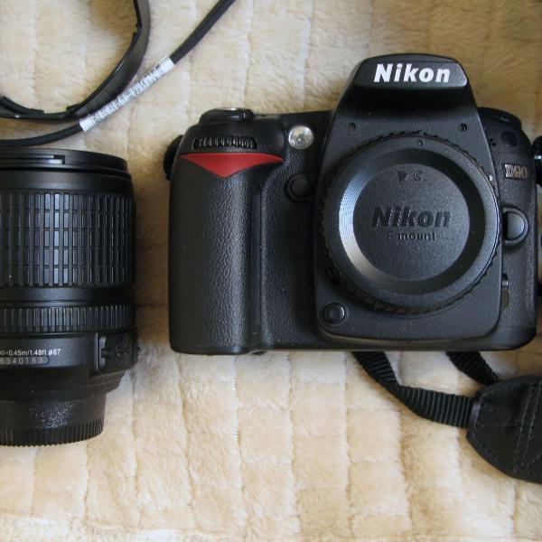 Máquina fotográfica nikon d90
