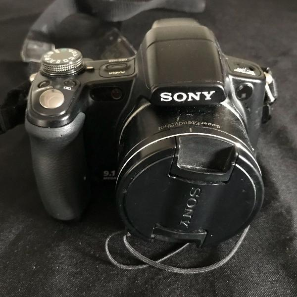Máquina fotográfica sony semi profissional