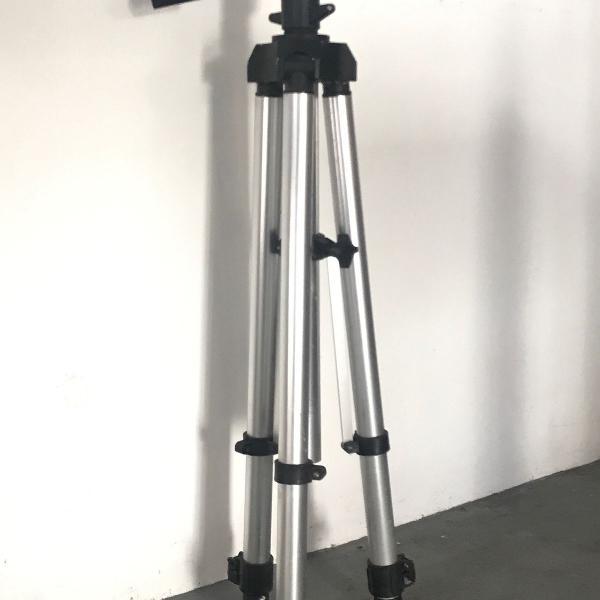 Tripé profissional em aluminio 1,60 metros foto vídeo