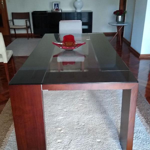 Mesa madeira vidro transparente