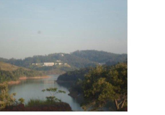 Chácara beira represa santa branca sp pé na água