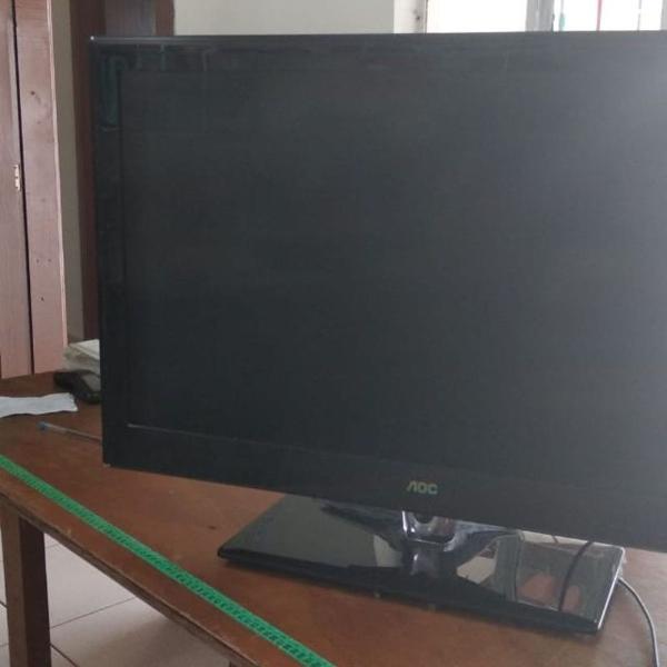 Televisor aoc 32 polegadas usada em bom estado, mas com