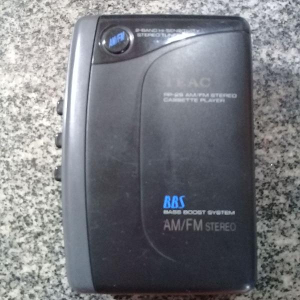Walk man toca fitas com rádio am e fm
