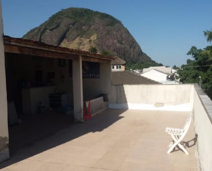 Casa 3 Qtos dento condomínio,terraço e quintal em Vargem