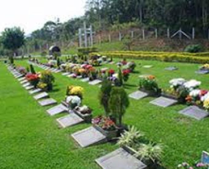 Jazigo completo: cemitério parque iguaçu