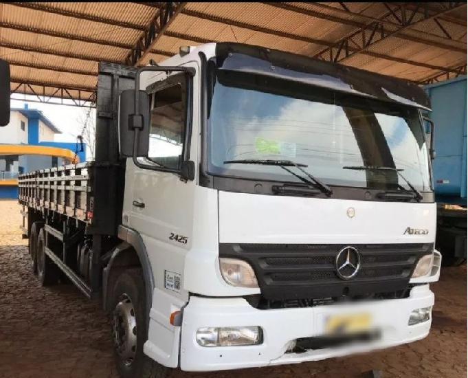 Mb atego 2425 truck reduzido com carroceria