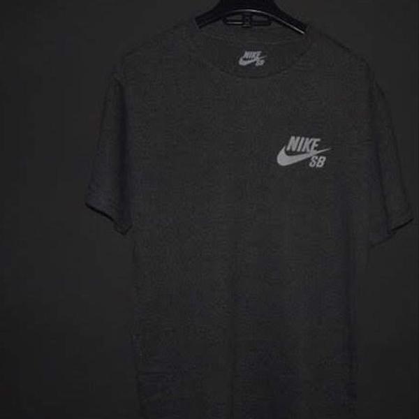 Camiseta nike sb original - tamanho m