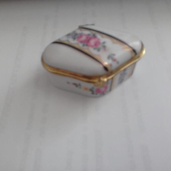 Mini porta jóias de porcelana - antigo - pintado a mão