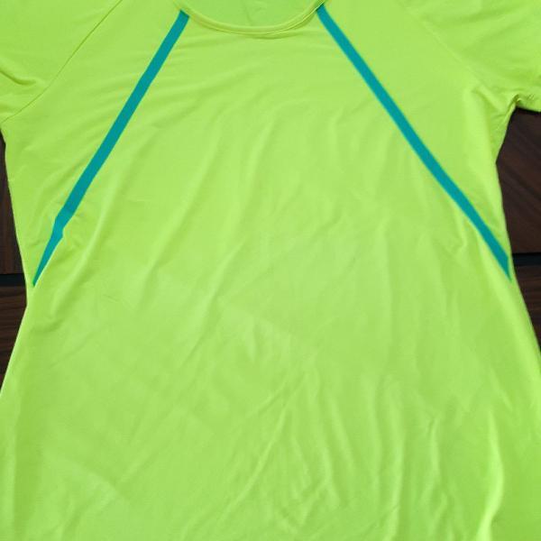 Camisa feminina fitness