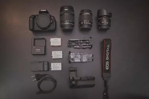 Canon t5i + 18-55 stm + 50mm 1.8 + battery grip + 3 baterias