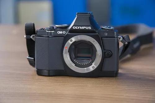 Câmera mirrorless olympus om-d e-m5 queima estoque!