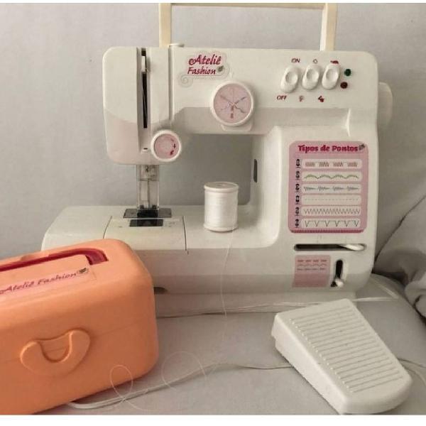 Máquina de costura de verdade