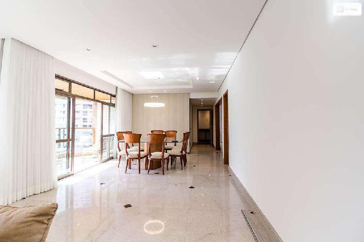 Apartamento, funcionários, 4 quartos