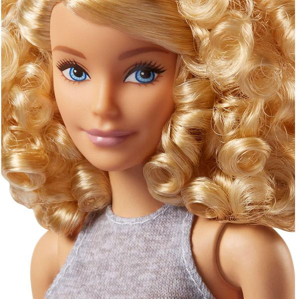 Barbie fashionistas doll 71 pineapple pop