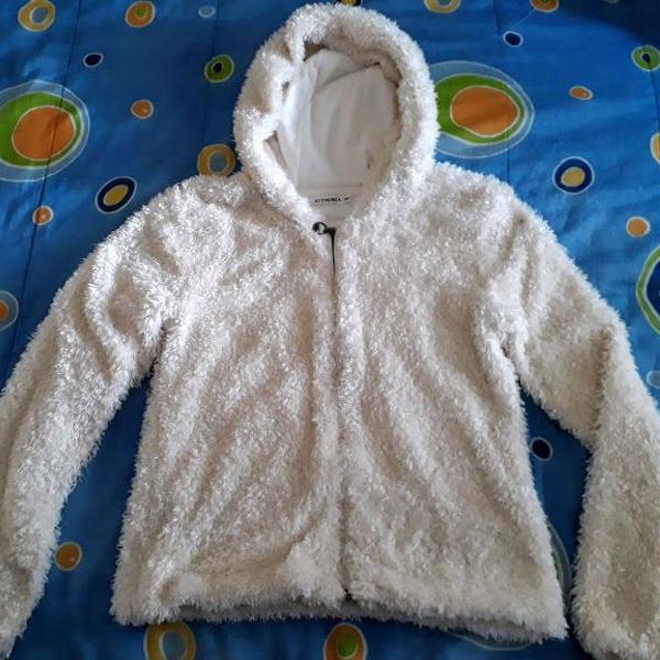 Casaco de frio feminino branco felpudo com capuz e forro