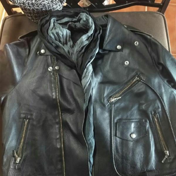Jaqueta preta em couro tamanho m