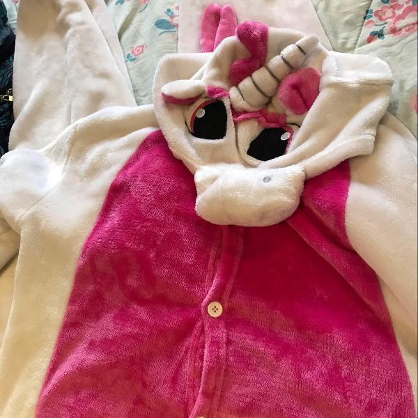 Pijama onesie unicórnio rosa