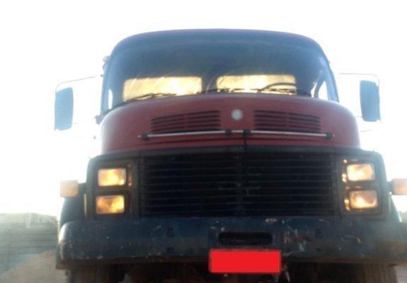 Caminhão mb 1513 poliguindaste