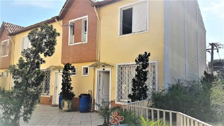 Casa de condomínio com 3 quartos para alugar, 155 m² por