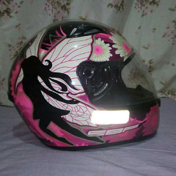 capacete rosa ebf