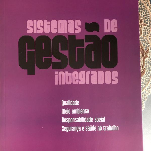 Livro de sistema de gestão integrado semi novo