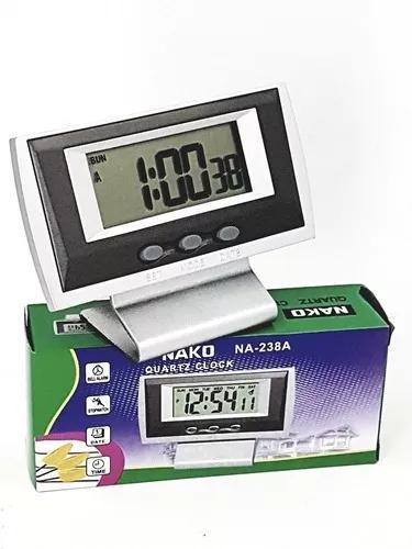 Mini relógio despertador digital a pilha
