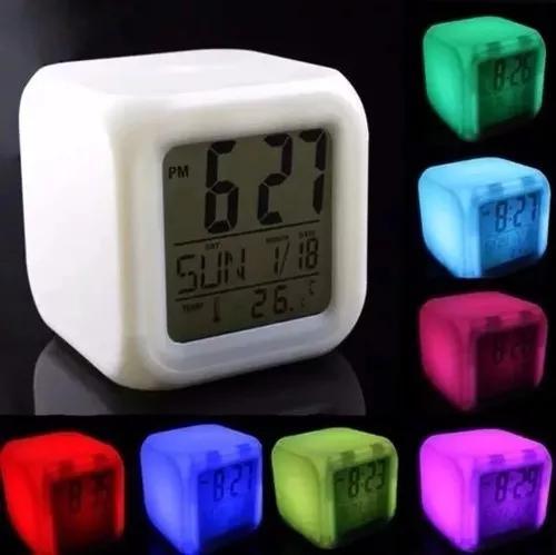 Relógio despertador digital lumanaria cubo led 7 cores