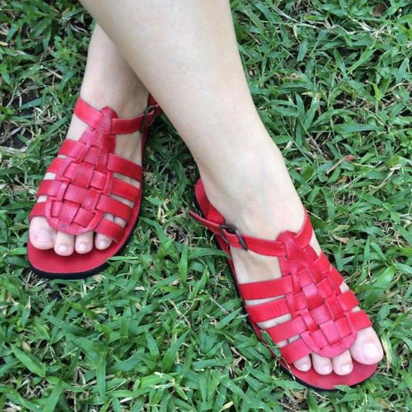 Sandália artesanal de couro vermelha