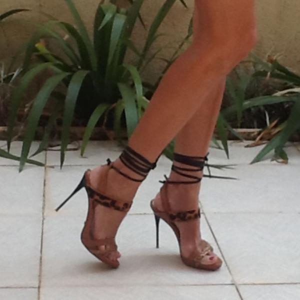 Sandália schutz onça de amarrar tam 36