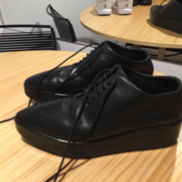 Sapato couro bico fino marsèll