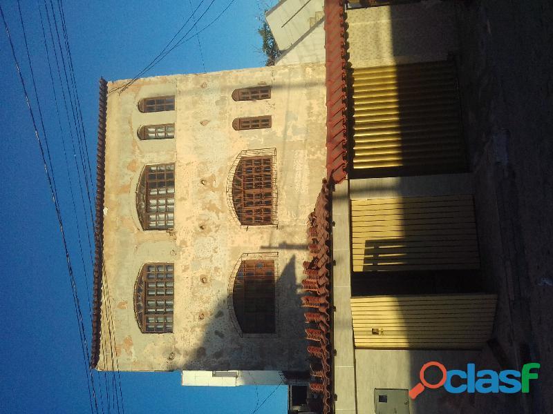 Serviços de manutenção acabamento pintura gerais telhados impermeabilização de terraços