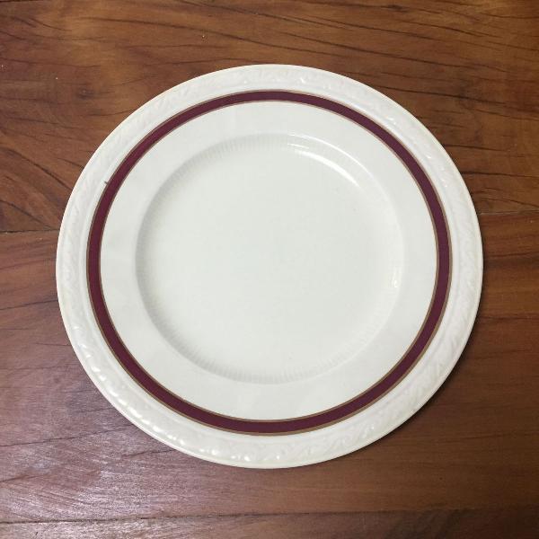 Prato antigo de porcelana inglesa!
