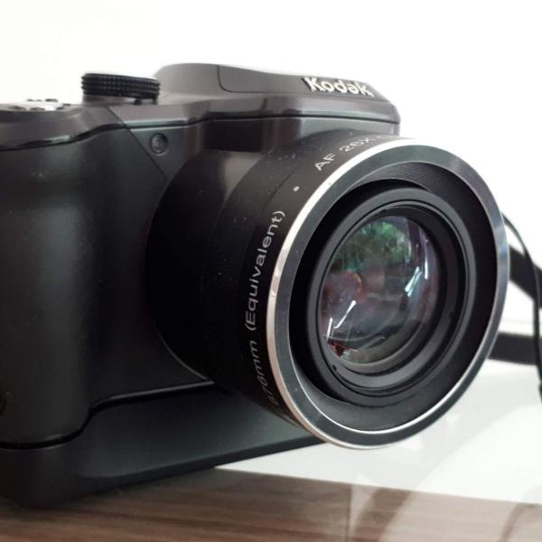 Câmera semiprofissional