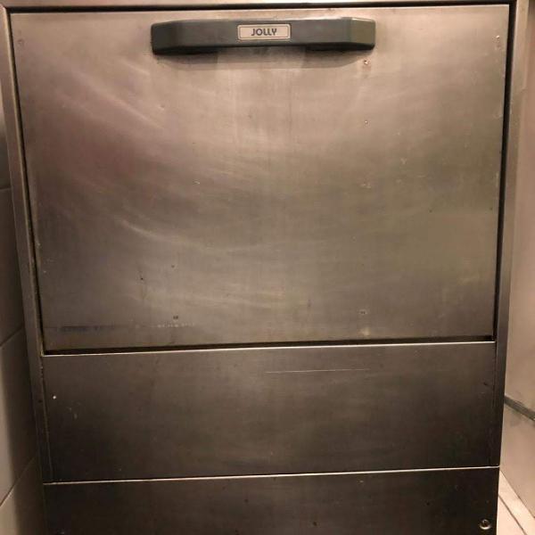 Máquina de lavar louça profissional