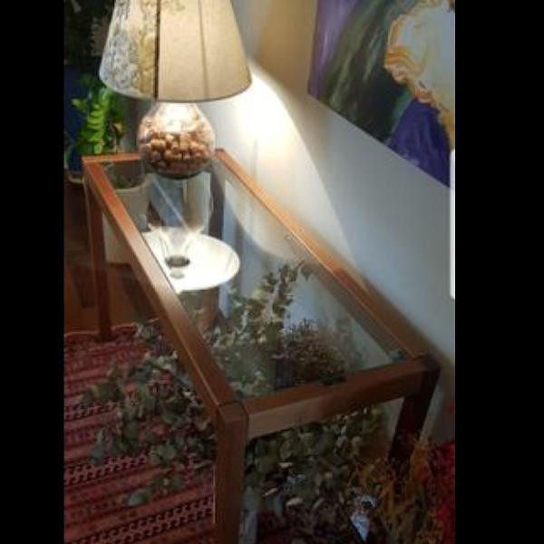 Aparador vidro temperado + madeira maciça tokstok