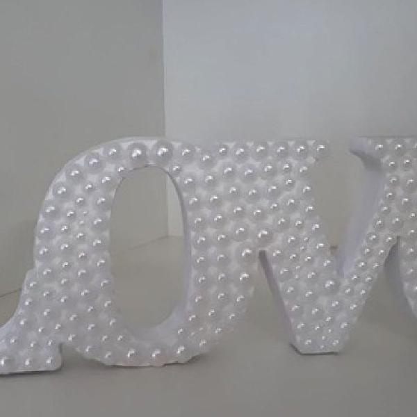 Letras em mdf decoradas.