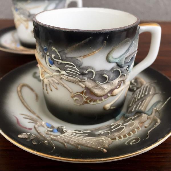 Conjunto antigo de porcelana japonesa