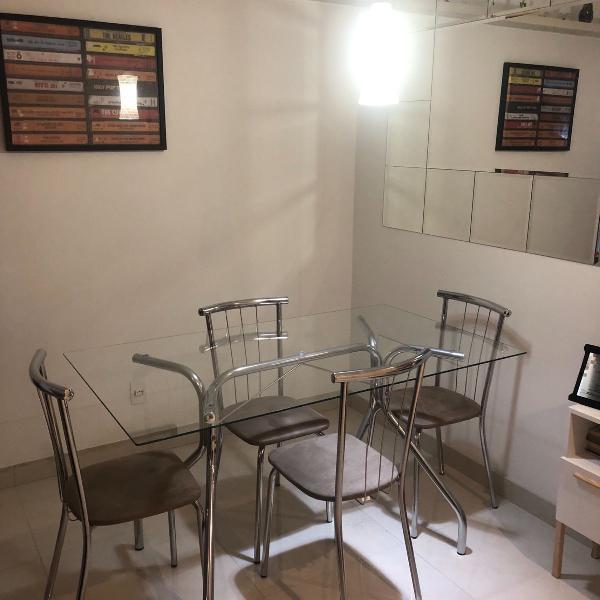 Conjunto de mesa com 4 cadeiras 140x80
