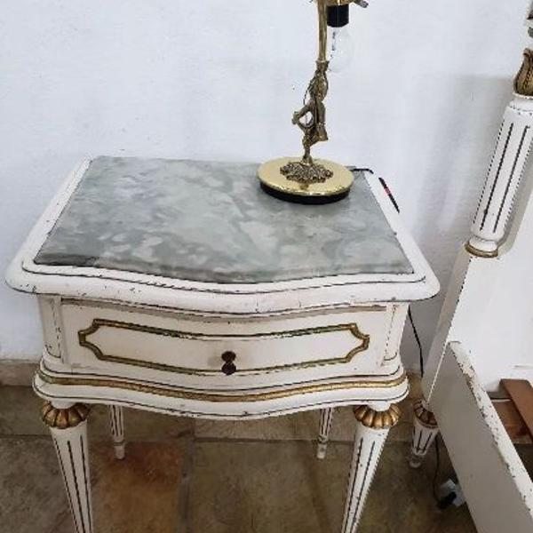 Criado mudo madeira 1 gaveta louis xv 47x35x60 (lote 2un)