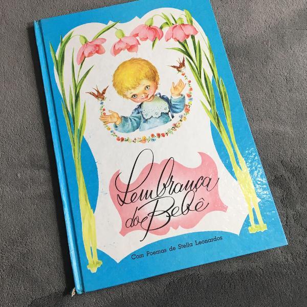 Livro lembrança do bebê vintage