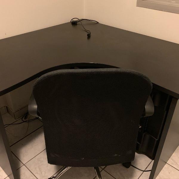 Mesa de escritório + cadeira