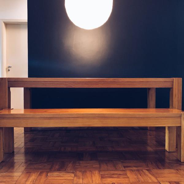 Mesa de jantar e banco em pinus