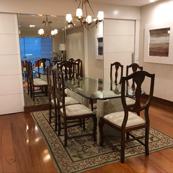 Mesa de jantar em vidro c 6 cadeiras