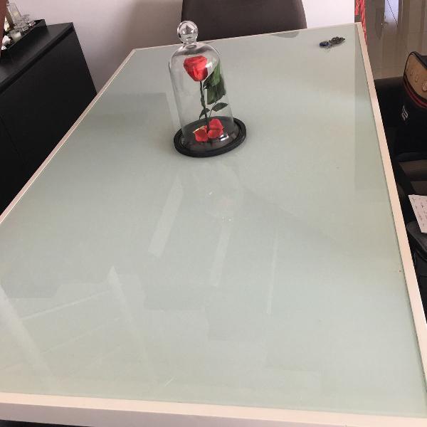 Mesa de jantares