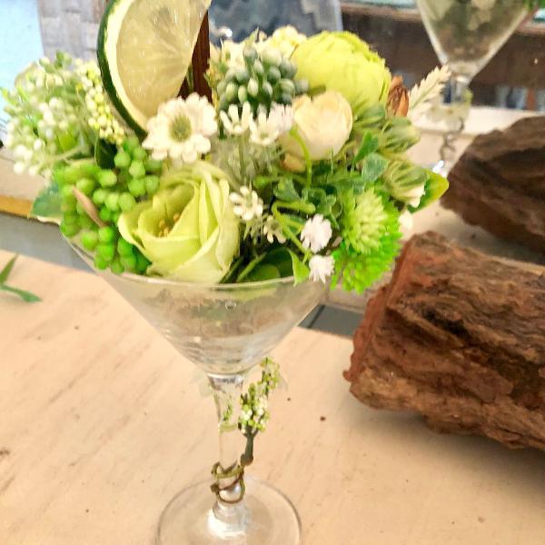 Mini hortencias em taça dry martini