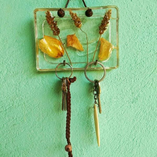 Porta chaves pétalas de rosas
