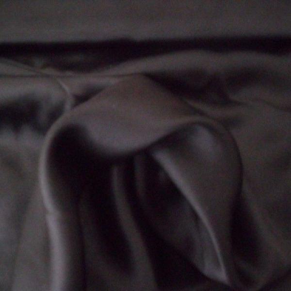 Tecido cetim de seda - preto - 1,50 cm larg x 1,30 cm compr